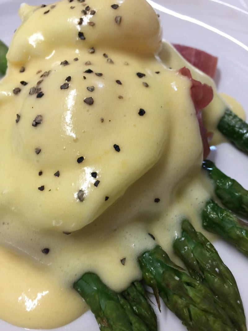 Asparagus, Parma Ham, Soft Poached Eggs, Hollandaise
